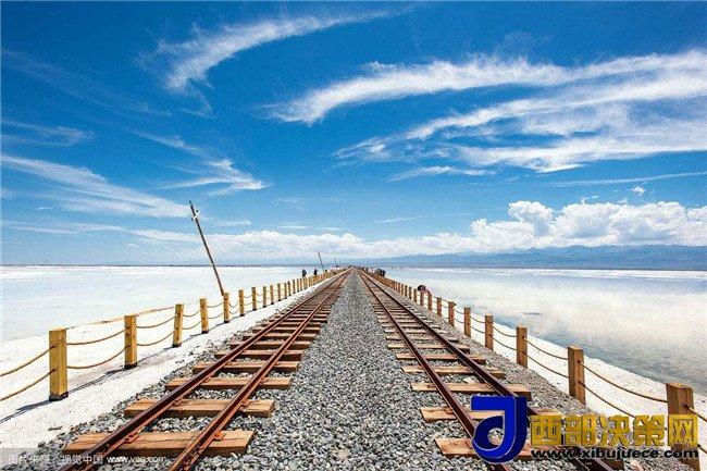 """<b>茶卡盐湖―称之为中国""""天空之镜""""</b>"""