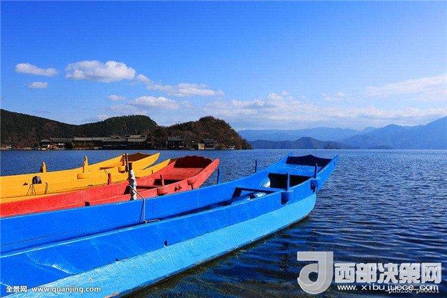 <b>泸沽湖(川滇两省界湖)</b>