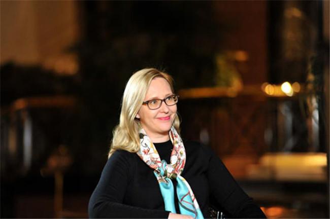 专访芬兰议长洛赫拉:深化两国关系推动全方位合作