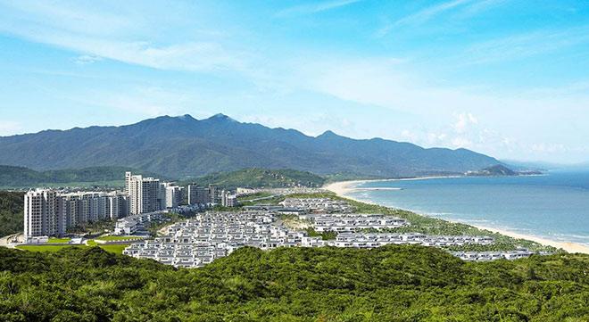 三亚凤凰岛海岸线修复:拆除前一排房子挡住山