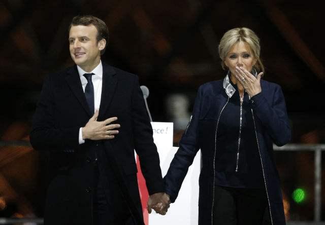 法国总统马克龙和夫人今抵西安 为参观大雁塔出访前改