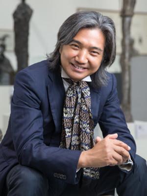 中国美术馆馆长、雕塑家吴为山当选法兰西艺术院通讯院