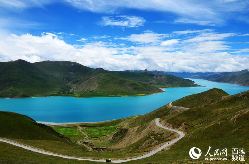 <b>打造川藏线最美风景带</b>