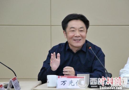 图为山东师范大学副校长万光侠在开幕式上发言。 赵晓 摄