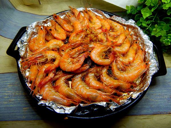 蒜泥铁板大虾的做法