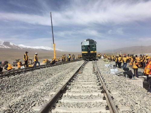 青藏铁路格拉段玉珠峰车站改造完工
