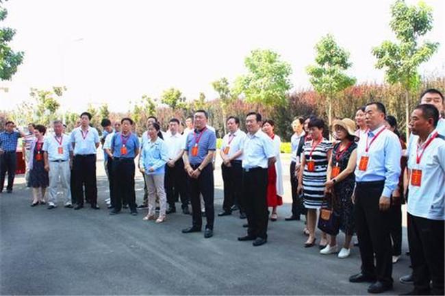 驻豫全国人大代表在郑调研生态环境保护工作