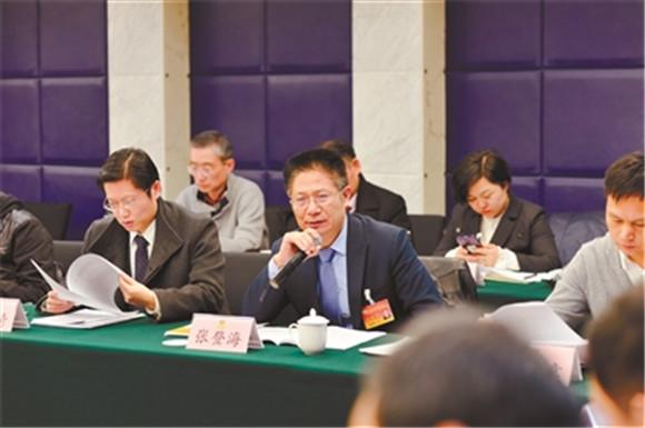 浦东政协委员作大会发言 直面问题建言献策