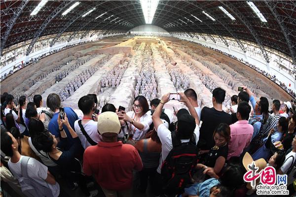 <strong>陕西:中秋224万观众走进文博单位体验传统文化</strong>