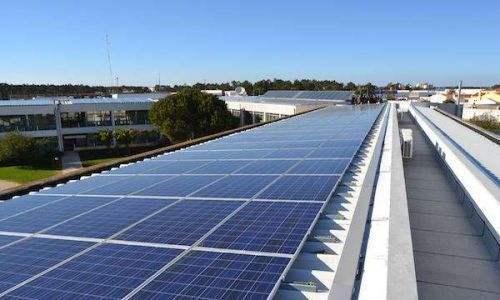 我国首个大型太阳能光热示范电站投运