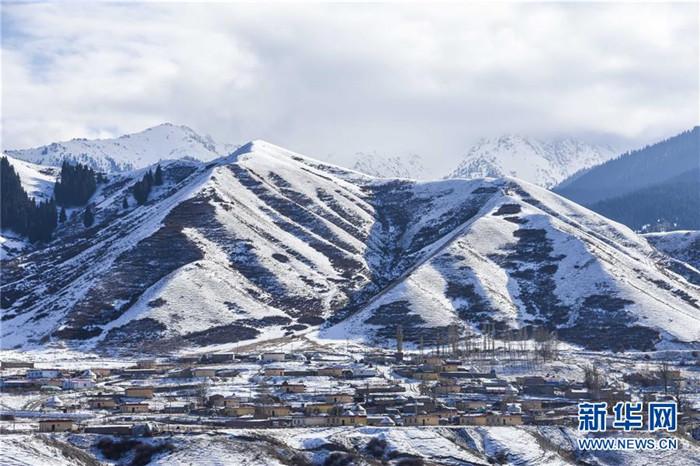 <b>乌鲁木齐南山雪景美</b>