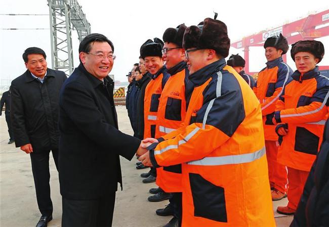 胡和平:大力发展枢纽经济门户经济流动经济