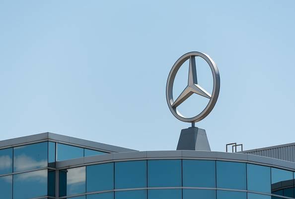 奔驰1月全球销量逾18万 在华月销量首次破7万