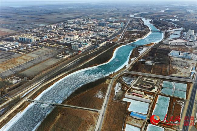 新疆:火树银花千光照 春到博湖万物新