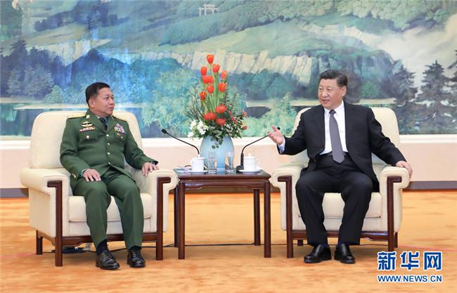 习近平会见缅甸国防军总司令敏昂莱