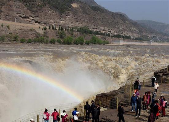 黄河壶口瀑布再现瀑布群