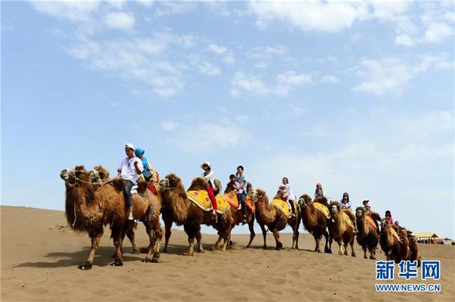 """特色文体活动提前""""点燃""""新疆旅游热"""