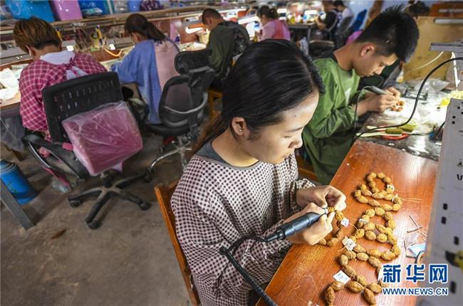 河北永清:小核雕 大产业