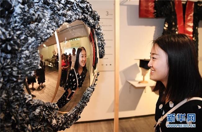 四川美术学院举办毕业生作品展