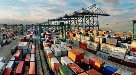 """全球贸易""""逆风""""下 中国前5月外贸增长4.1%"""