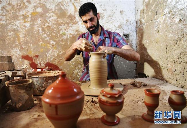 流离失所的叙利亚陶器手艺人
