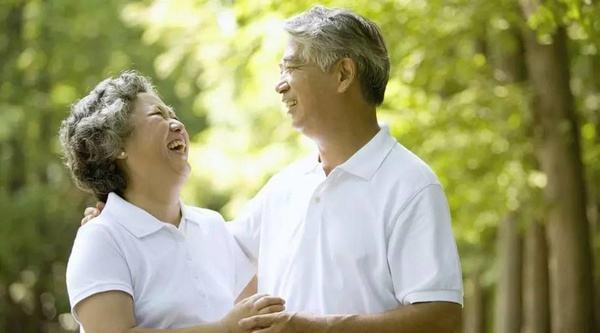 在新发展理念指引下推进养老服务发展