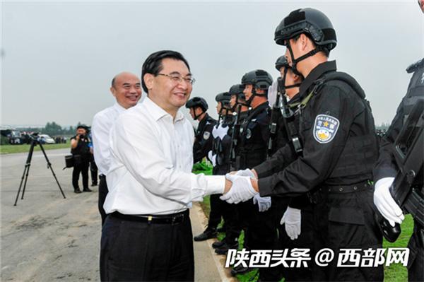 陕西省举行新中国成立70周年大庆安保誓师大会
