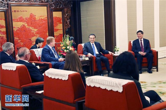 李克强会见出席中美企业家对话会美方代表