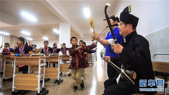 广西三江:侗戏进校园