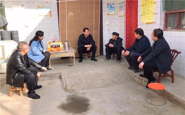 渭南潼关县县委书记樊正学深入城关街道南新社区检查指