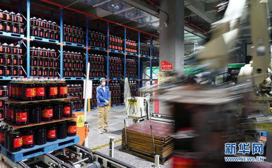 (聚焦疫情防控)(3)西安:粮油生产充足及时