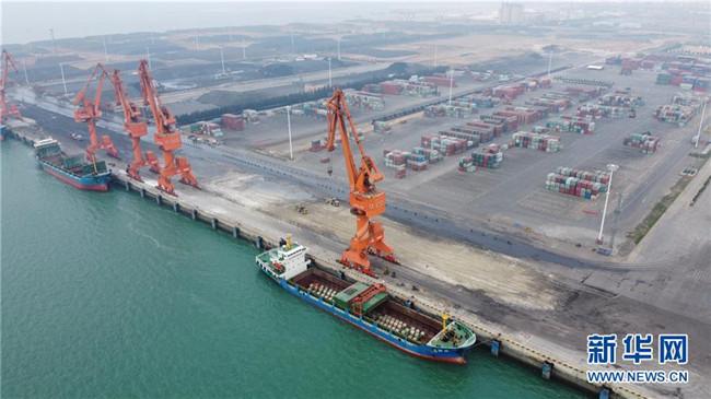 """出山入海 """"船""""流不息――广西北部湾港生产保畅一线"""