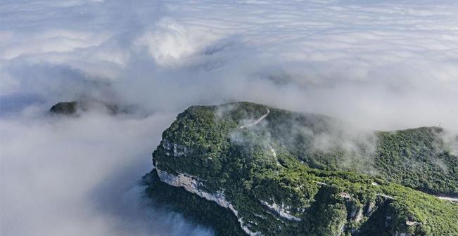 陕西汉中:龙头山云海美