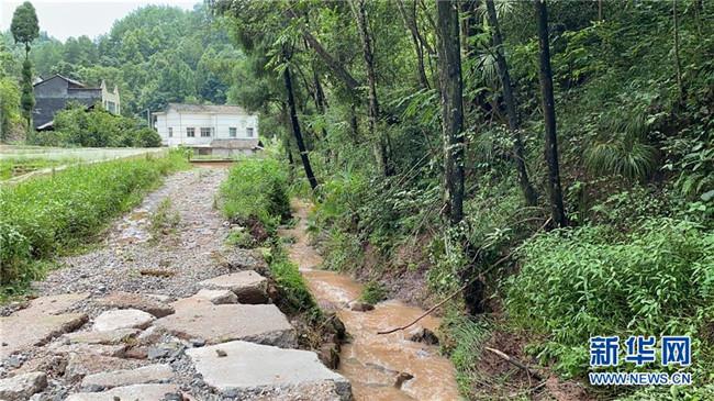 山洪袭来前,澧水河畔大转移