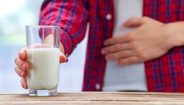 追求新鲜喝生奶 小心喝出传染病