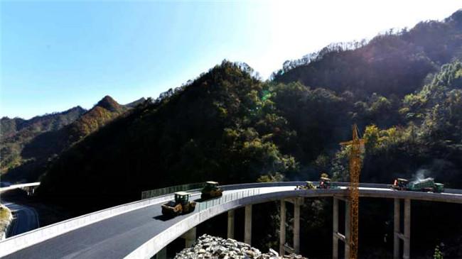 安康平利:白狮二级路主体工程全面竣工