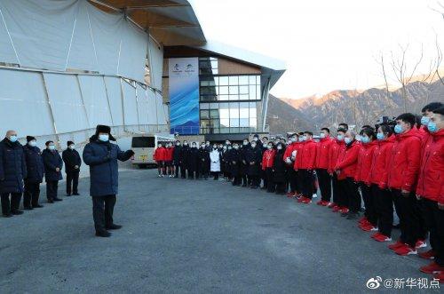 习近平:要通过举办冬奥会把我国冰雪