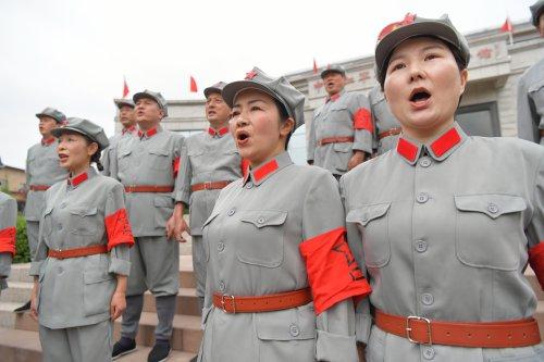 在习近平总书记的引领下・红色足迹篇丨江西于都:以不