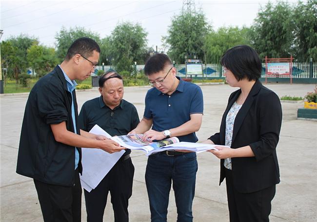 宝鸡凤翔区区长王宏强到柳林镇调研乡村振兴产业发展情