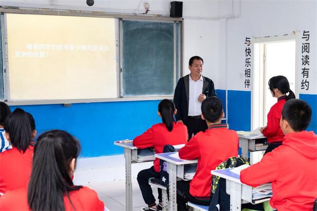 """做学生心里的""""北极星""""――记""""最美教师""""马建国"""