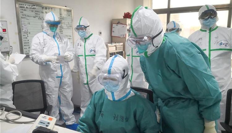 海军军医大学医疗队将再开设2个新的病区接收患者