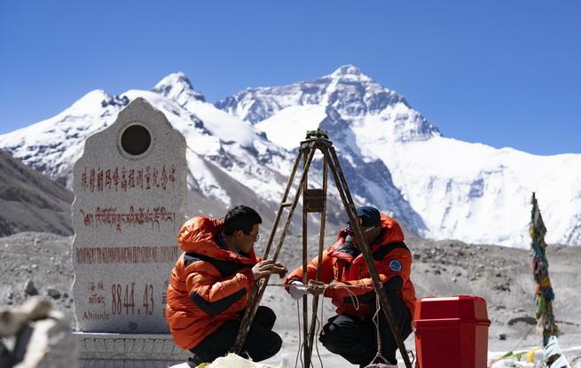 """珠峰""""身高""""从黄海测?――专家解读珠峰测高原理"""